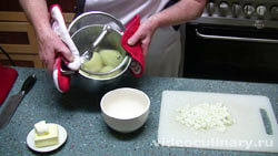 Ингредиенты Пирожки из слоеного теста с картошкой
