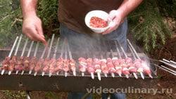 shashlyk-iz-baranej-pecheni-zhigar-kebab_3