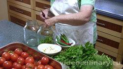 solenye-pomidory-bystryj-zasol_1