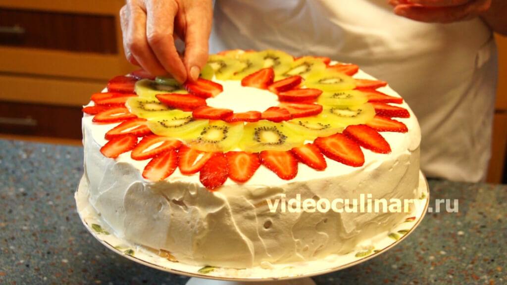 Торт дамский пальчик с фруктами