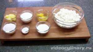 Ингредиенты Сырники с изюмом