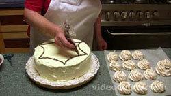 orehovyj-tort-izbushka_9