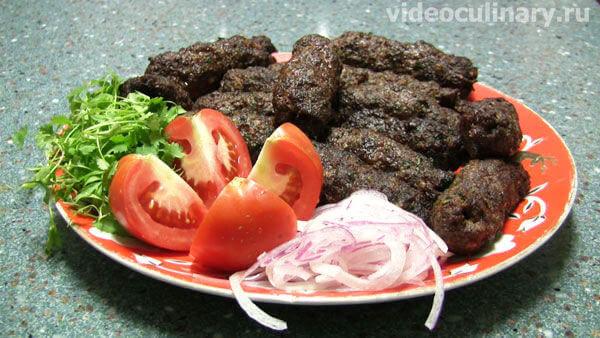 Люля-кебаб (шашлык из молотого мяса в казане)