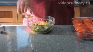 solenye-farshirovannye-pomidory_2