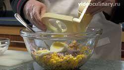 salat-iz-kukuruzy-s-tuntsom_2
