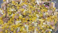 salat-iz-kukuruzy-s-tuntsom_3