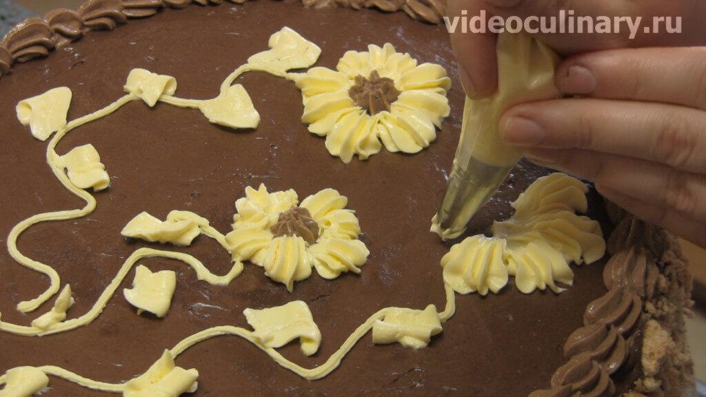Чем украсить торт с кремом из масла и сгущенки