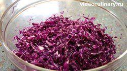 salat-iz-krasnoy-kapusty-s-yablokom_1