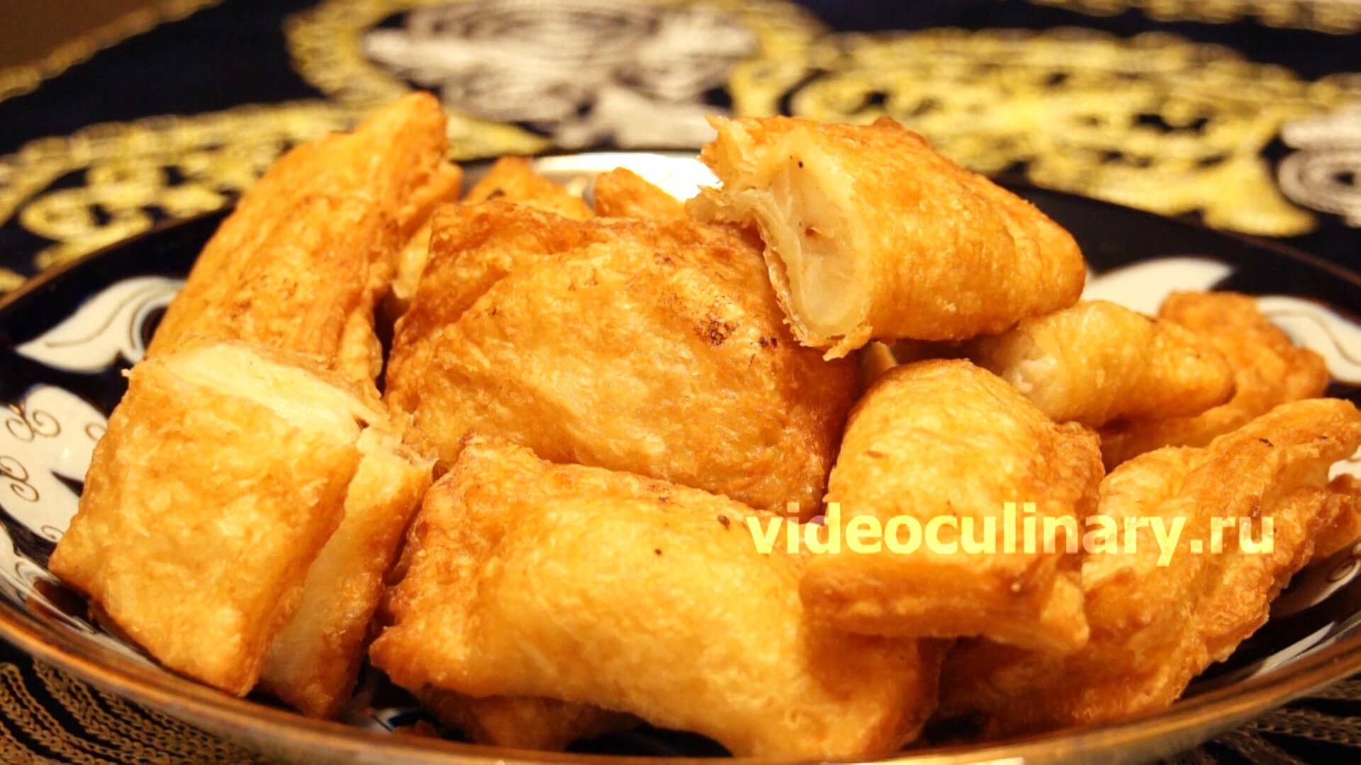 Самса слоёная с картофелем, жаренная во фритюре
