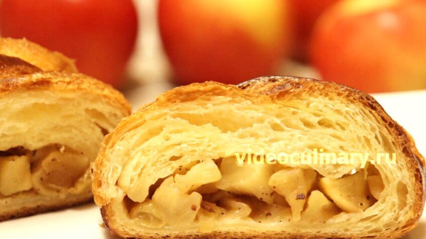 Яблочный пирог из дрожжевого слоеного теста