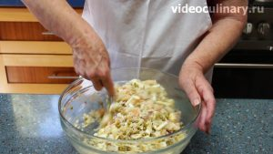 salat-krevetki-s-ananasom_6