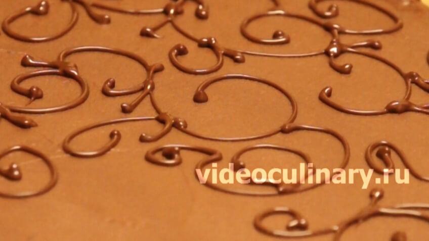 Украшение торта шоколадным кружевом