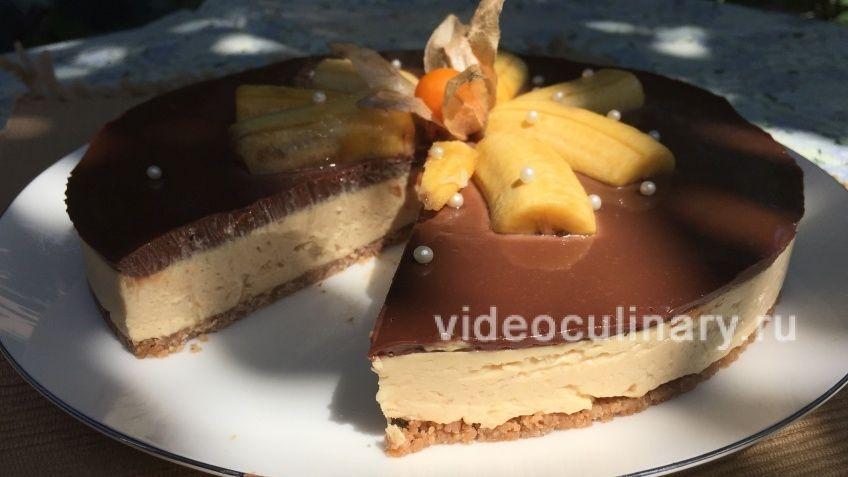 Ореховый чизкейк с шоколадом и бананами