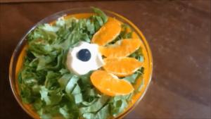 salat s kuricej i bananom 13