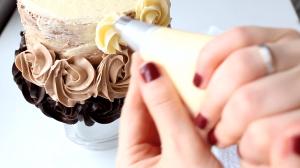 tort-tri-shokolada-biskvitnyj-12